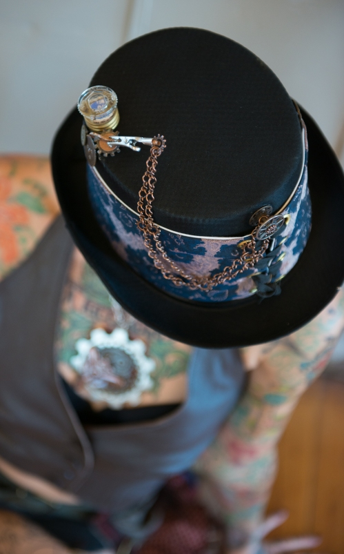 SOLD: Fuse & Chain Hat