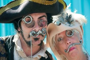 Pewter_stache_monocle_Kevin