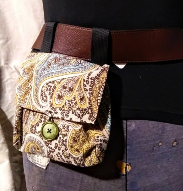 Belt Pocket Ivory Paisley