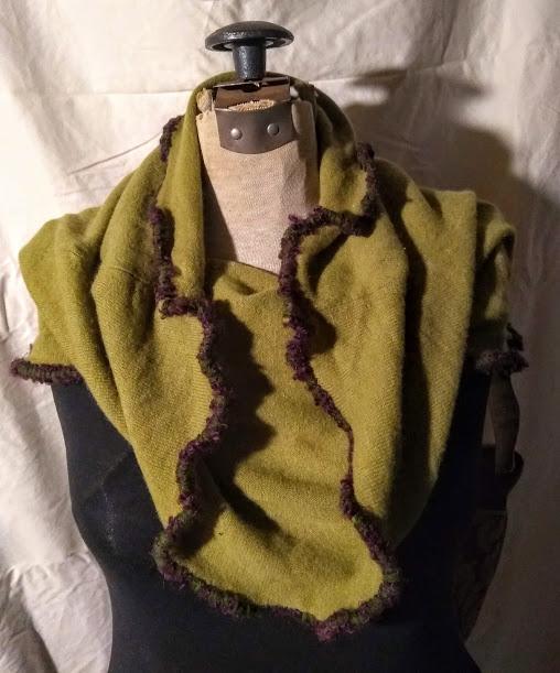 Cashmere Neck-Hip Wrap: Moss Green
